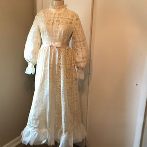 Dresses & Skirts - Vintage Antique Ivory Wedding Dress/hat/parasol